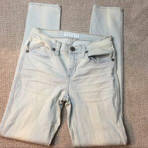 Rock & Republic Berlin Skinny Light Wash Jeans